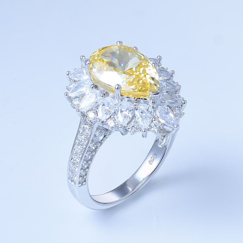 Pear Diamond Ring Settings
